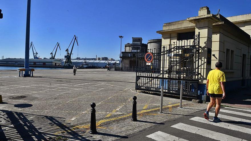 Rey desliga la deuda del Puerto de la compra de los muelles y defiende su condonación