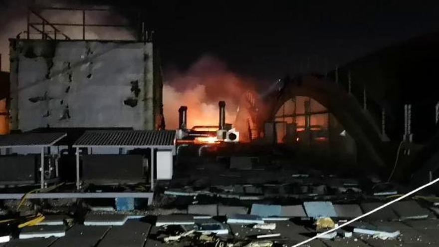 El aeropuerto de Alicante reabre tras el incendio
