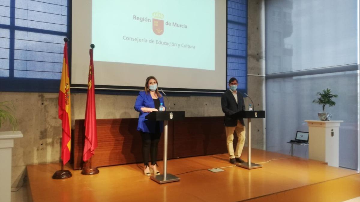 La consejera de Educación, Esperanza Moreno y el consejero de Salud, Manuel Villegas. carm
