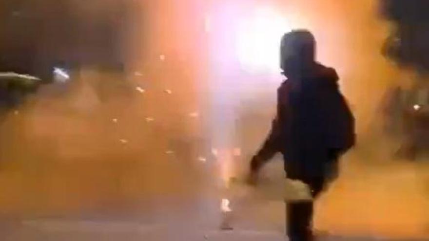 Disturbios en Sevilla contra el toque de queda