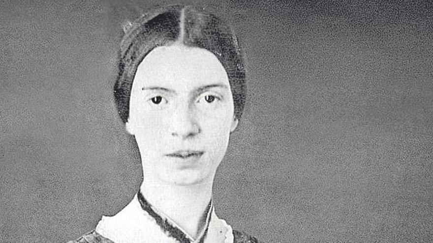 Emily Dickinson, le ganó la muerte pero no el olvido