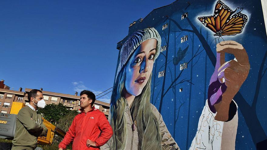 """Finalizado el mural de El Berrón, bautizado como """"Efecto caparina"""""""