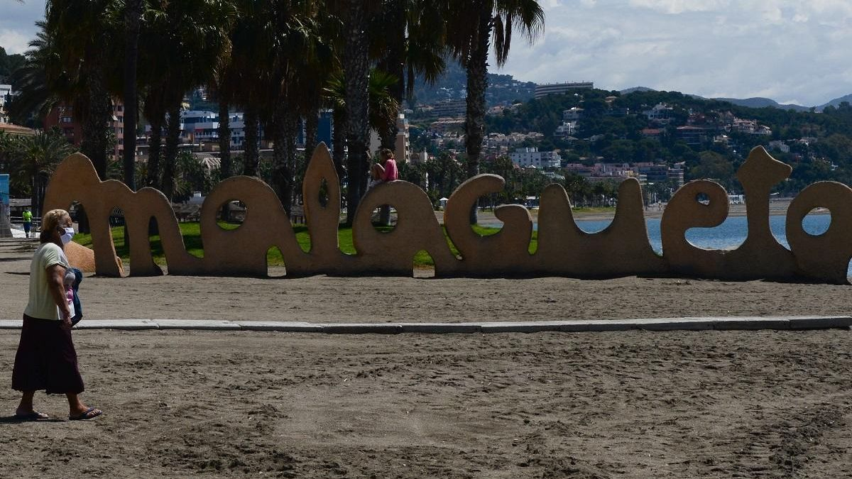 Una imagen de la playa de la Malagueta.