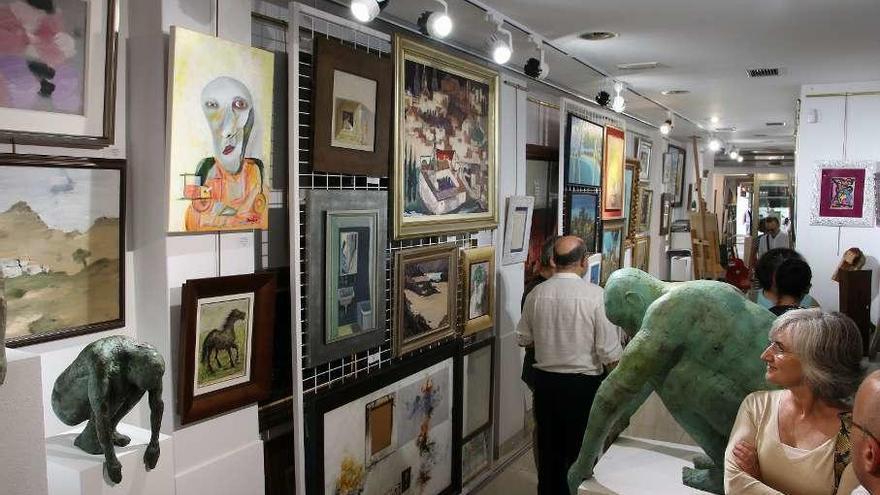 Exposición de obras de Laxeiro, con subasta en favor de la Cocina Económica