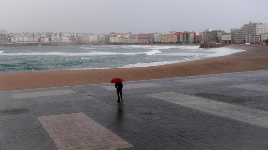 Activada la alerta por temporal costero por olas de entre cinco y siete metros