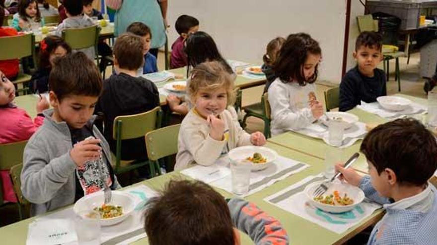 Los comedores escolares gallegos tendrán cuidadores ajenos a las familias