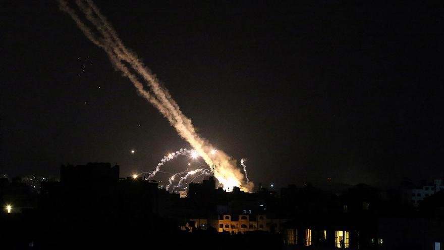 El ingeniero vigués David Usera acaba de presenciar un ataque de Hamas contra Tel Aviv, el centro financiero de Israel.