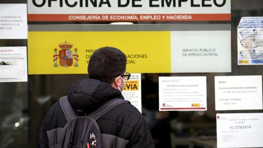 Unas 95.000 personas en Canarias están cobrando un ERTE