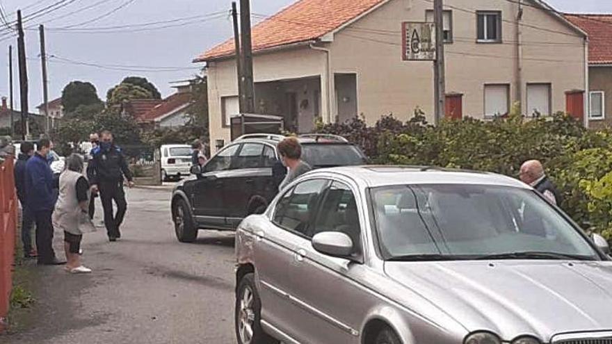 Manuel Charlín, sorprendido sin puntos en el Jaguar de su hijo