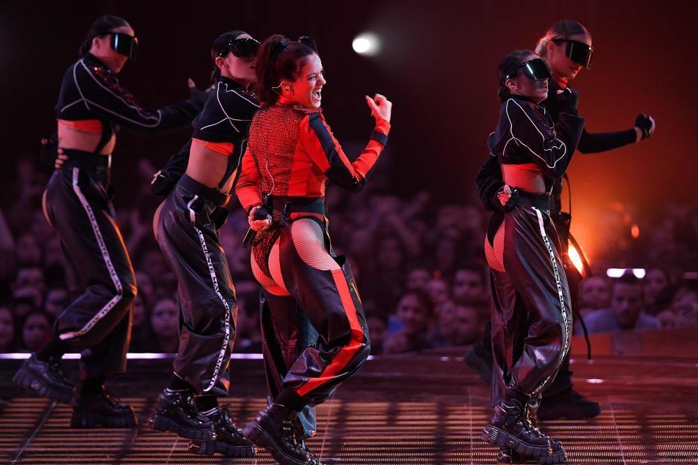 Actuación de la cantante española Rosalía. LLUIS GENE / AFP