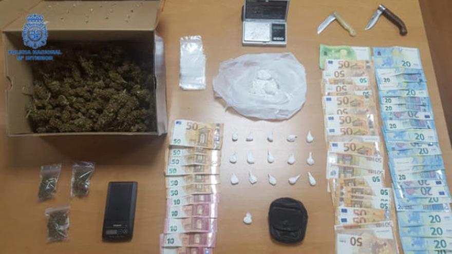 Polizei-Beamte nehmen Senioren-Drogendealer in Cala Estancia fest