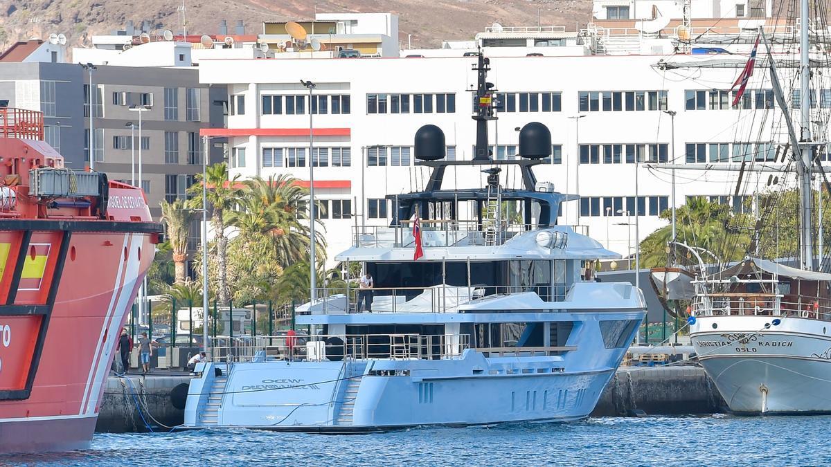 El yate Ocean Dreamwalker III atracado en el Puerto de Las Palmas