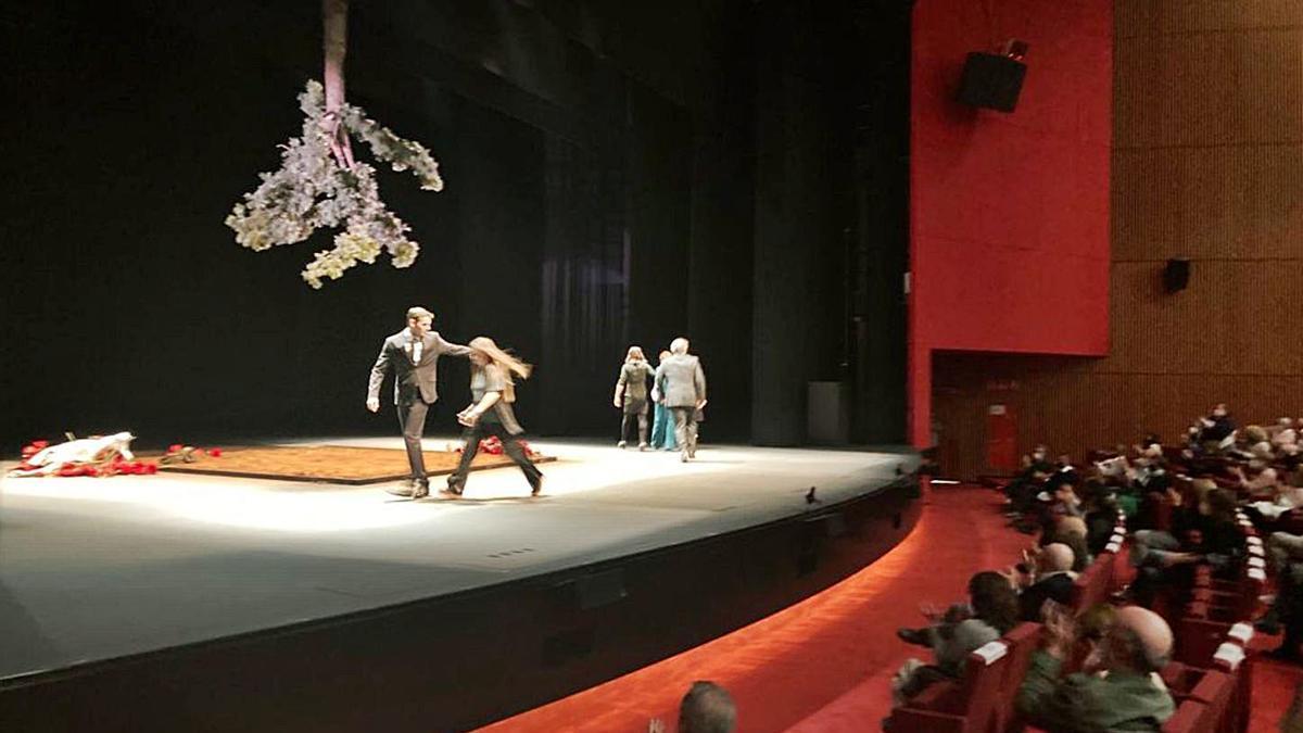 Verónica Forqué triunfa en el Niemeyer con un drama de Bovell  