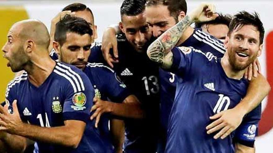 Argentina golea a EE UU y se mete en la final con un Messi de récord