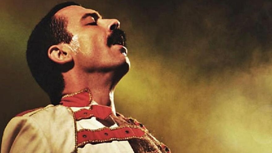 Dios salve al rock: tributo a Freddy Mercury en el Ramos Carrión de Zamora