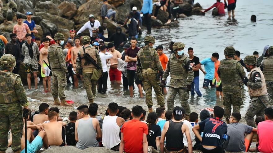 Canarias contiene el aliento ante la crisis con Rabat