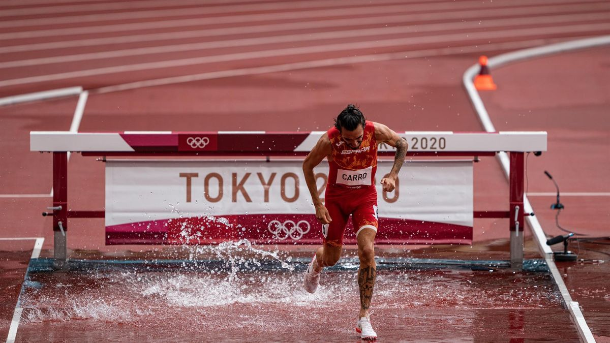 Fernando Carro, del equipo español, en la semifinal de 3000m obstáculos de atletismo.