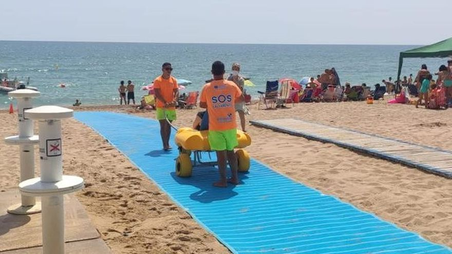 Turismo hace accesibles las playas del Morrongo y la Caracola de Benicarló