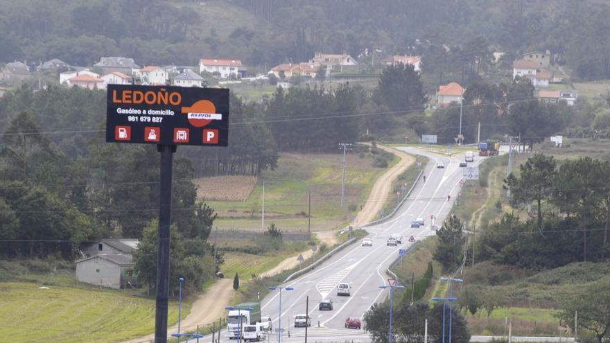La Xunta reparará el firme de las carreteras AC-840 y AC-523, en las que gasta 2,9 millones