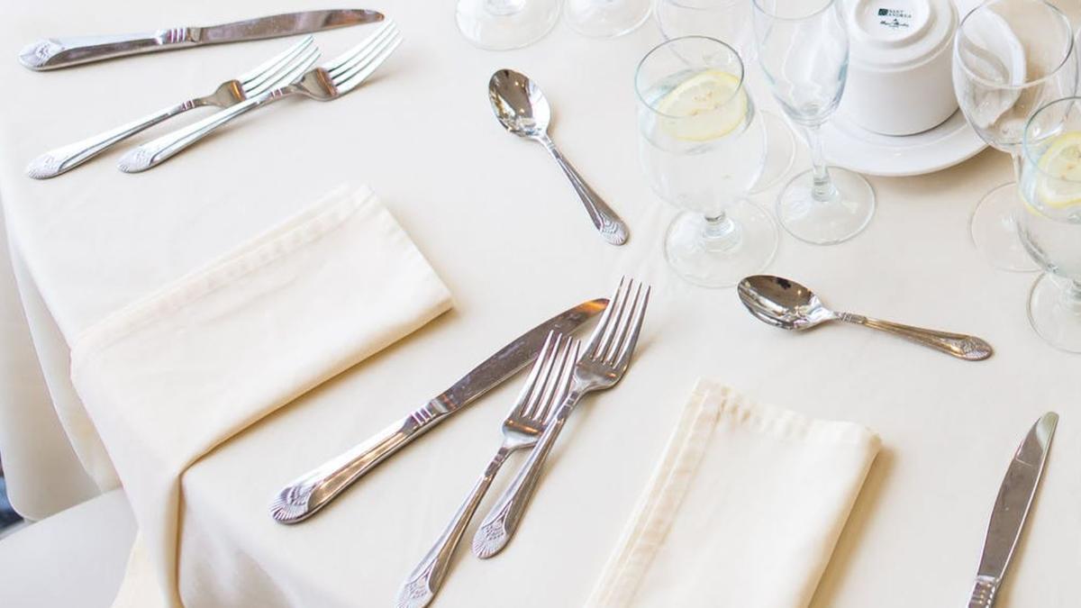 La plata que está en contacto con alimentos es más sensible