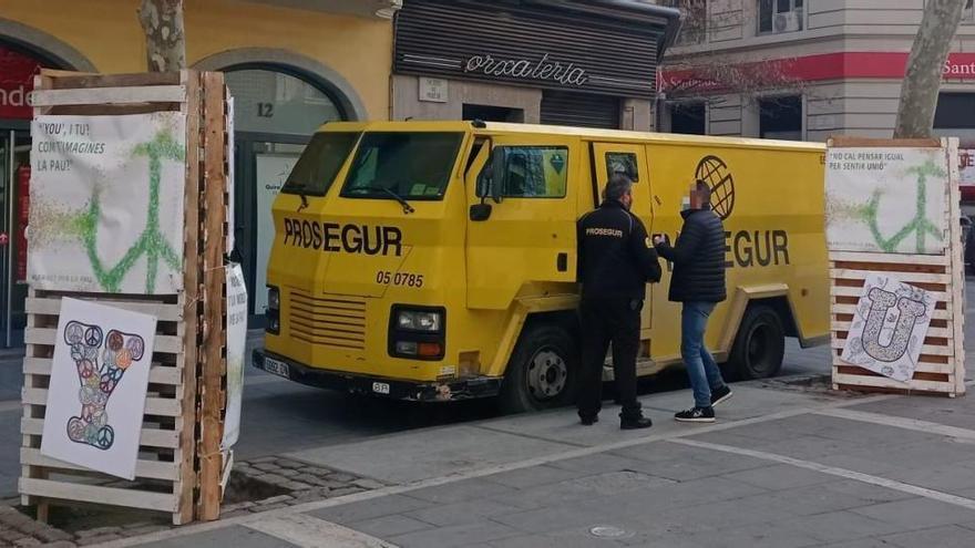 Roben una saca amb prop de 60.000 euros d'un camió blindat a Manresa