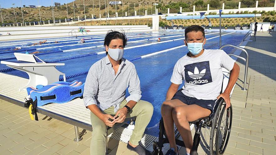 El nadador de elite Paco Salinas prepara los Juegos Paralímpicos en Torremolinos