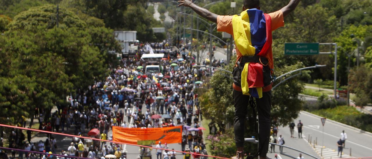 Octavo día de protestas en Colombia mientras una ONG denuncia casi 40 fallecidos