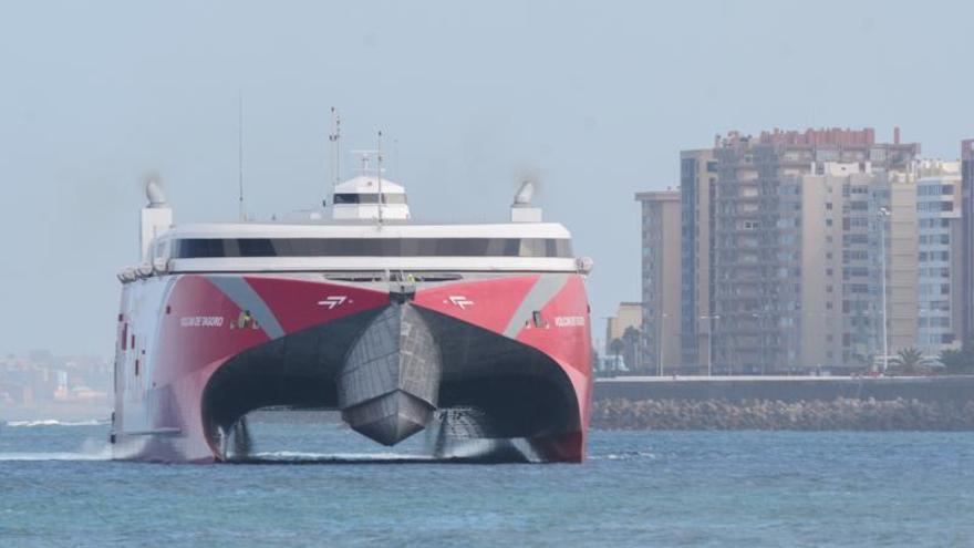 El siglo de la alta velocidad en el mar