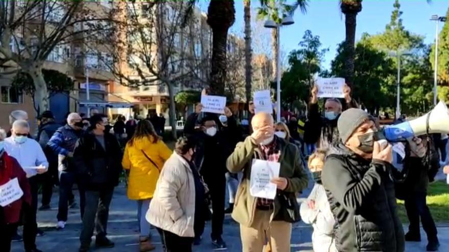 Protesta de los vendedores del mercadillo de Moncada