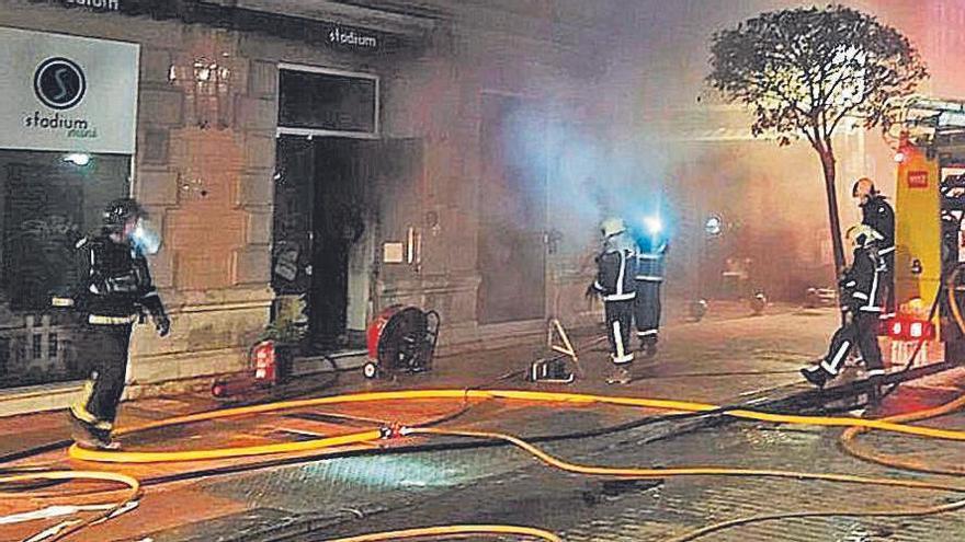 Arde una tienda de ropa en Ribadesella