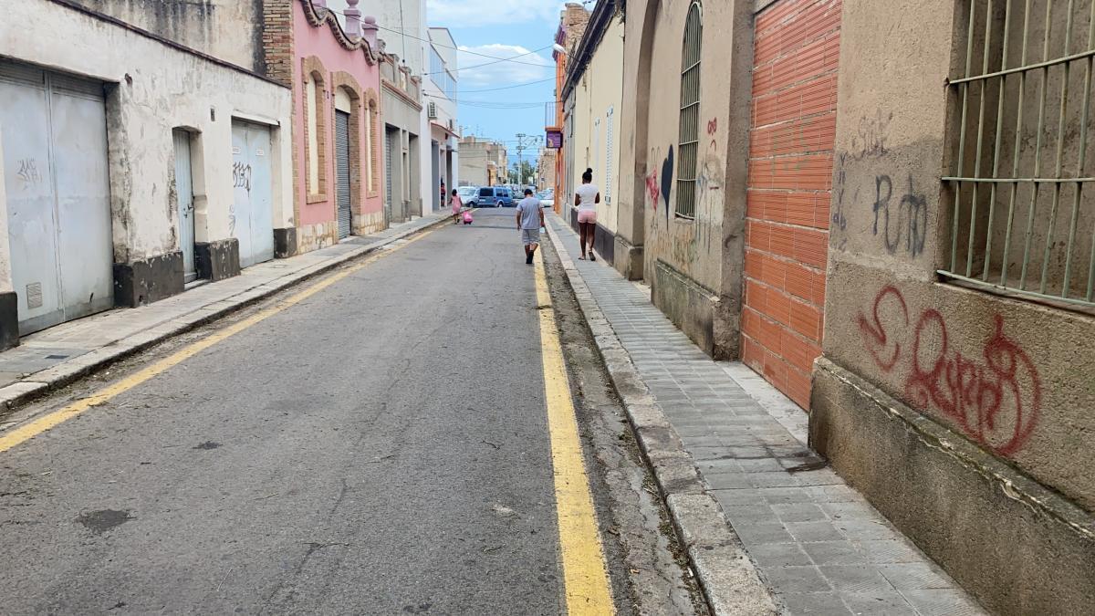 El carrer Sant Joan Baptista, aquest divendres al migdia.