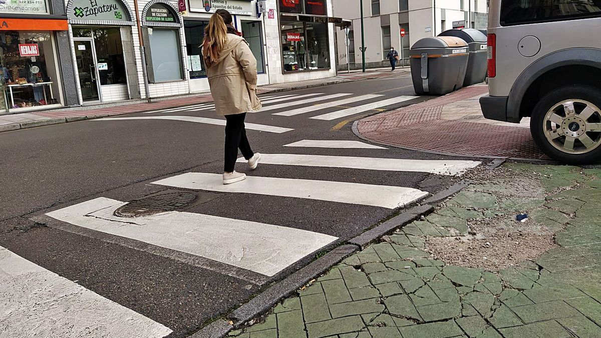 Reclaman un plan para mejorar las vías públicas de Langreo   M. Á. G.