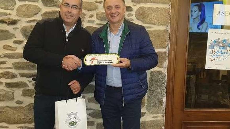 Jesús Otero recibe al presidente de Serro Ventoso