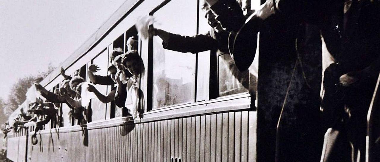 El tren a León fue la iniciativa más destacada en la  historia del club granate, que promovió Acuña.   | // RAFAEL