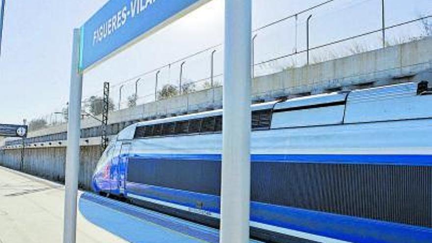 Sis milions de viatgers han creuat la frontera en TGV l'última dècada
