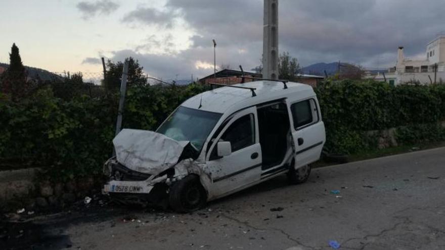 54-Jähriger stirbt bei Frontalkollision auf Landstraße nach Esporles