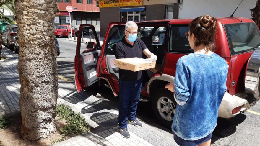 Coronavirus en Canarias   La ULPGC entrega los primeros ordenadores a sus estudiantes con brecha digital