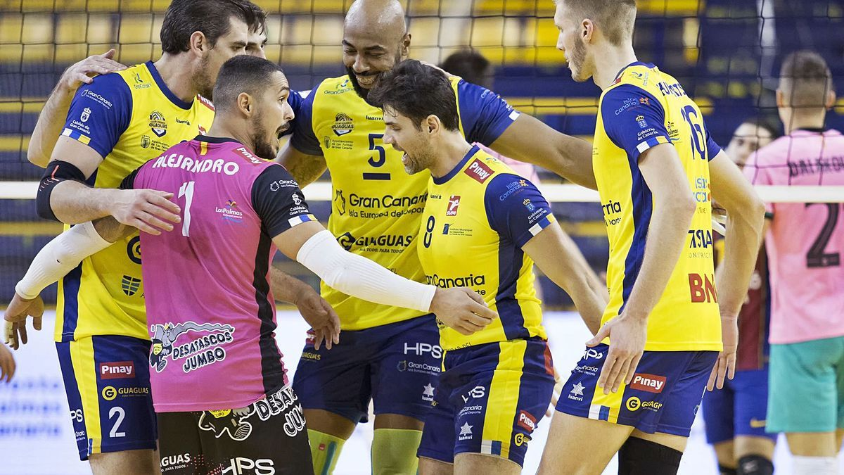 Guaguas players, during a celebration in one of the current season's matches at the Centro Insular de Deportes.        LP / DLP