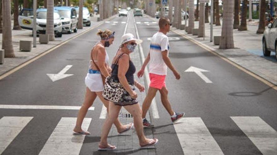 Los sindicatos convocan movilizaciones en las zonas turísticas de Canarias