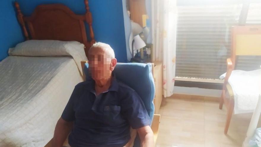 """La desesperación de la hija de un dependiente en Canarias: """"Estoy en una situación límite"""""""
