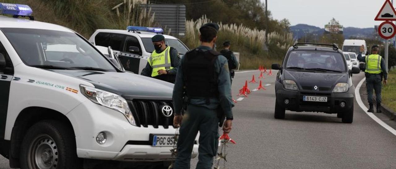 Oviedo, Gijón, Avilés, Langreo, Mieres y Siero cumplen ya las condiciones para imponer nuevas restricciones