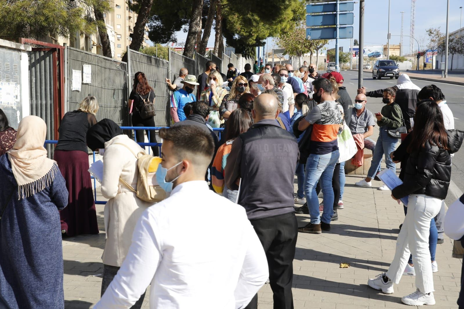 Colas en la oficina de extranjería de Alicante