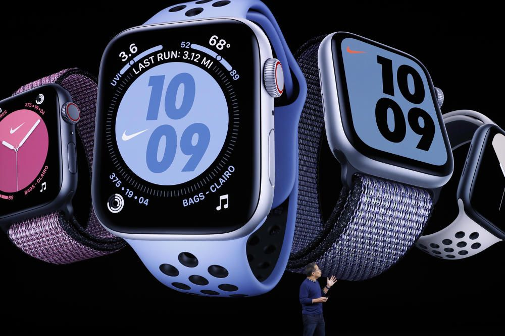 Stan Ng presents the new Apple Watch at an Apple ...