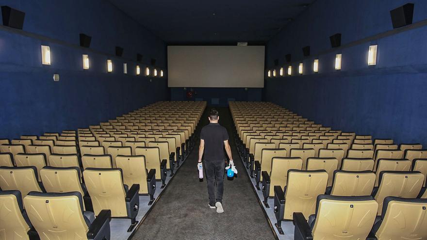 Los cines afrontan la crisis con cierres temporales y reducción de sesiones