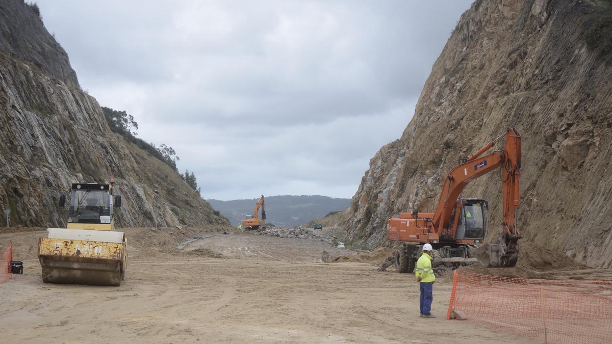 Estado de las obras esta mañana en el entorno del viaducto de Pintos.