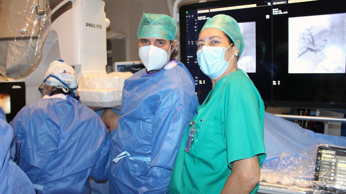 Los profesionales del Hospital General de València Javier Sempere y Amalia Talens
