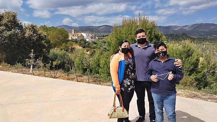 """La Torre d'en Doménec tiene ya a su familia """"salvadora"""" de la despoblación"""
