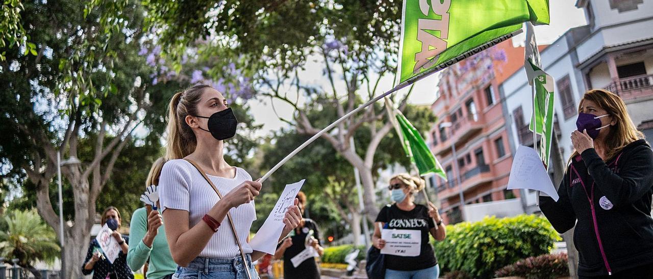 Protesta de personal interino de enfermería en Santa Cruz de Tenerife.