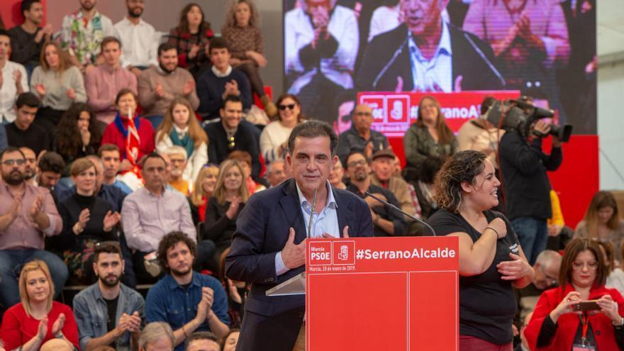 """Serrano: """"Efectivamente el Ayuntamiento ni se compra ni se vende, como sí hacía Roque Ortiz"""""""