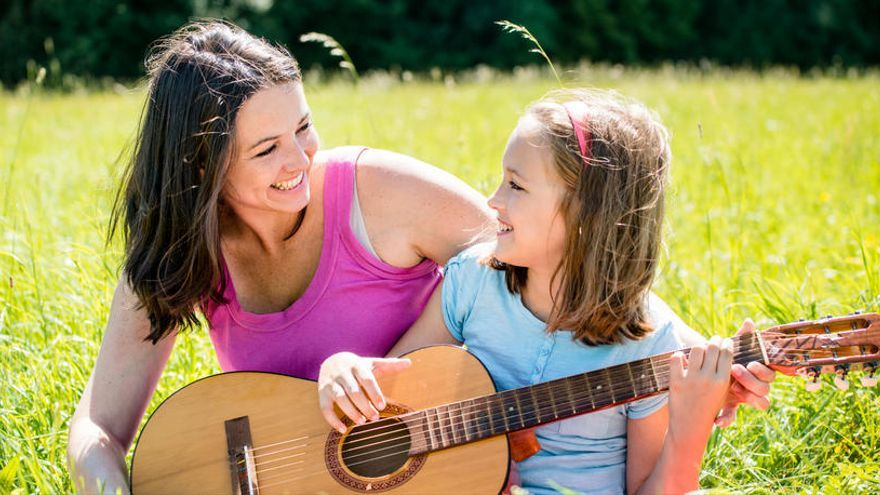 Cinco canciones para regalar en el Día de la Madre
